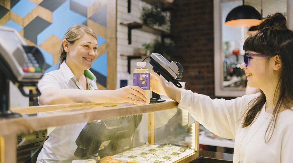 Обслуживание клиента в кафе